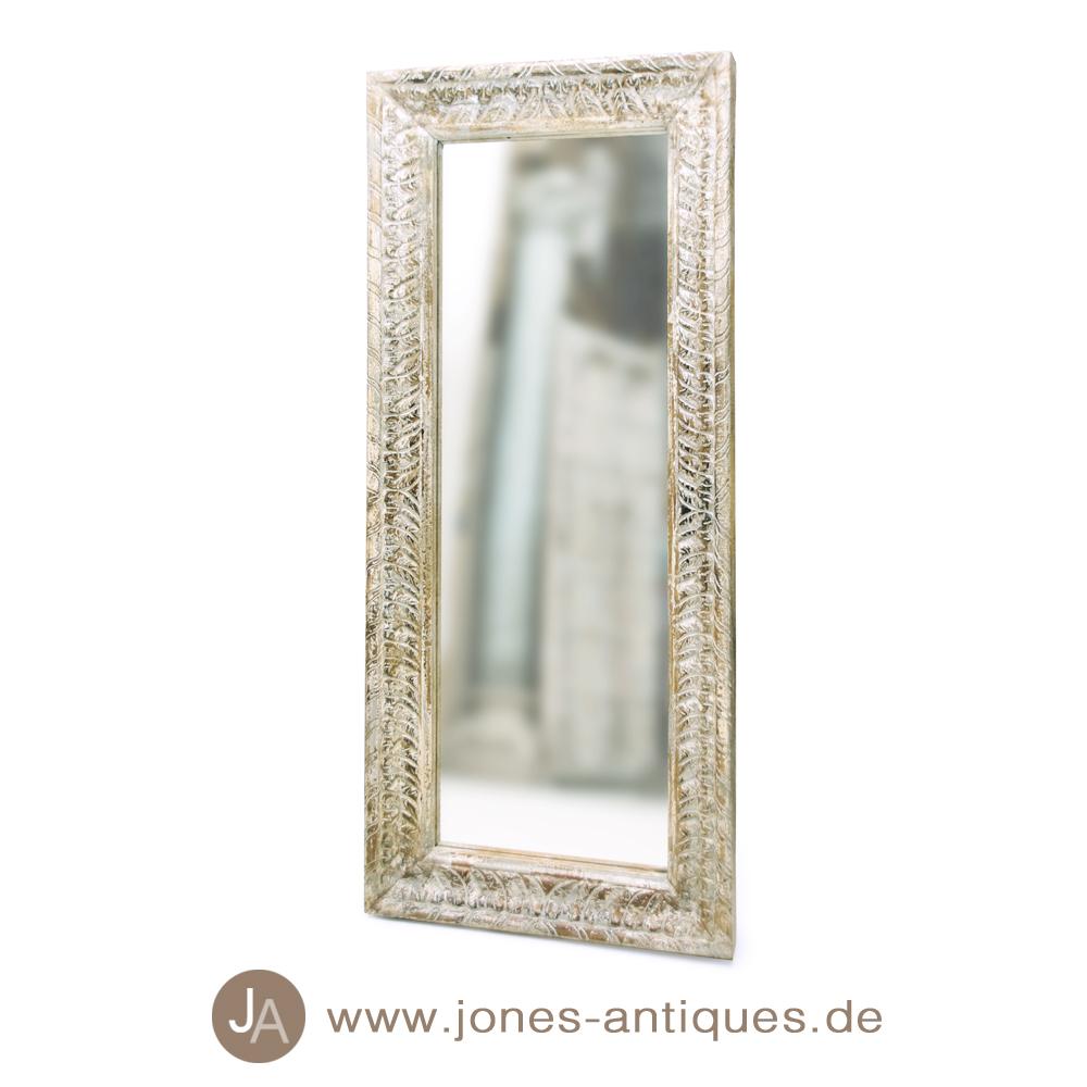Schmaler spiegel mit kunstvoll geschnitztem holzrahmen im antik look - Alter spiegel mit holzrahmen ...