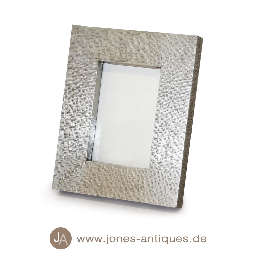Bilderrahmen Holz Mit Namen ~ Bilderrahmen aus Holz mit gehämmerten Weißmetall  handgearbeitet