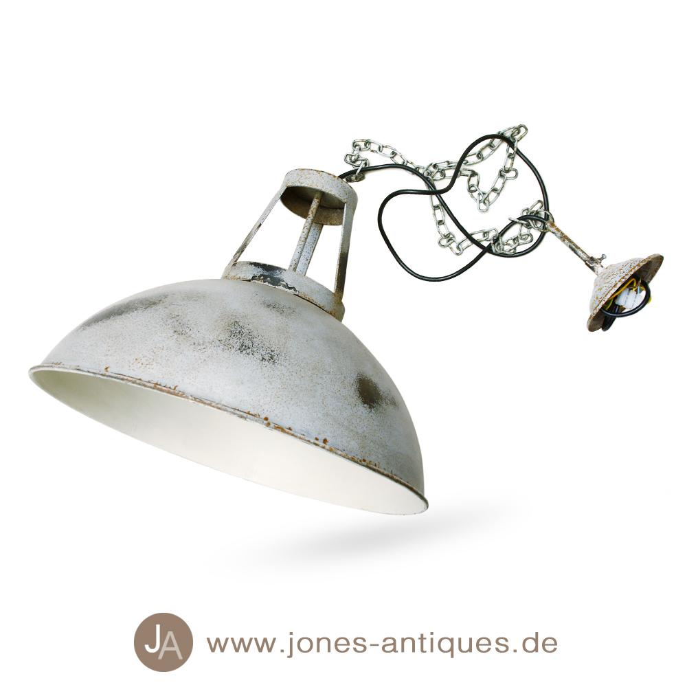 deckenlampe im industriedesign aus eisen mit kette. Black Bedroom Furniture Sets. Home Design Ideas